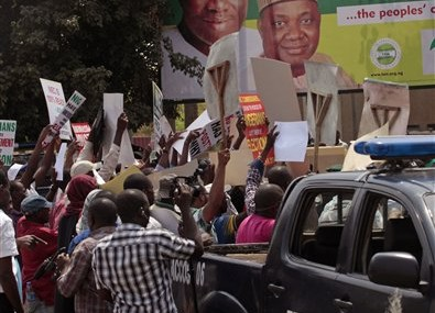 Nigeria postpones elections to March 28, cites uprising