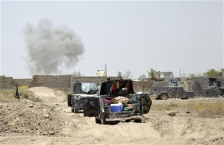 Aid group says IS shooting civilians fleeing Fallujah battle