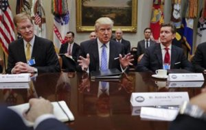 Trump summons business leaders, lawmakers to White House